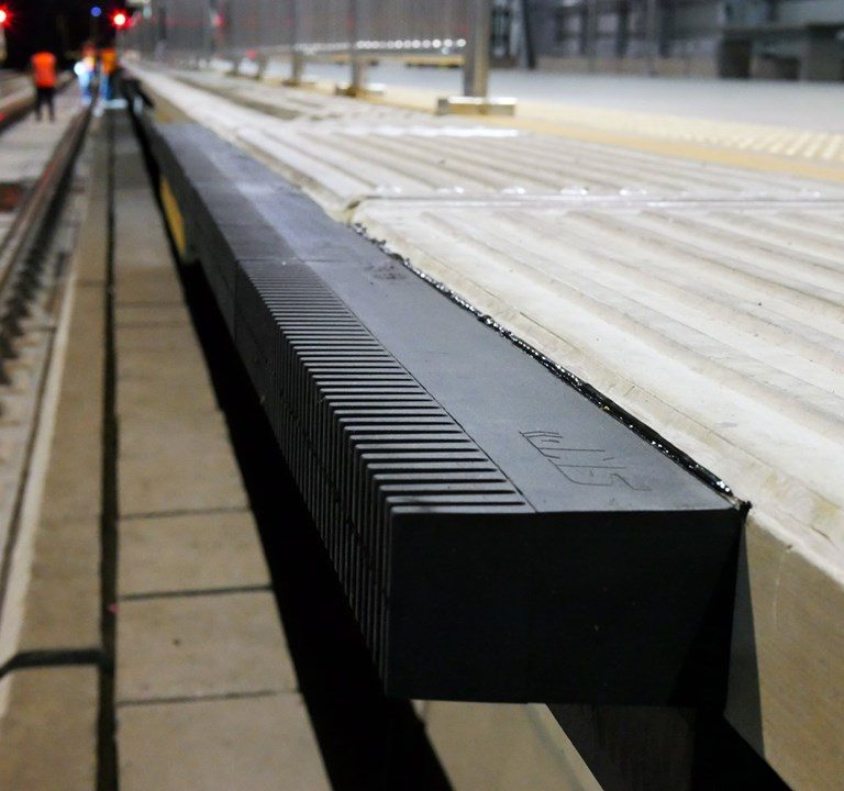Platform gap filler